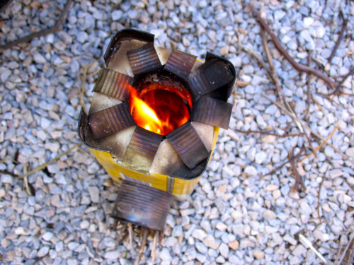 How to make a mini rocket stove for How to make a rocket stove