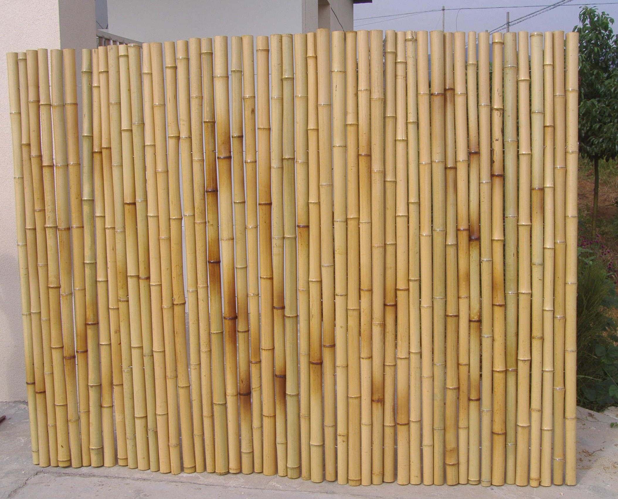 How to build a bamboo fence for Make your own fence