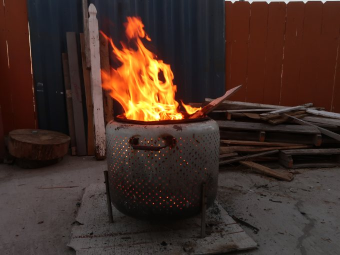 How To Build A Cool And Easy Fire Pit!
